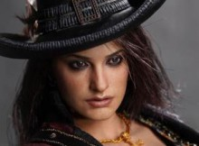 Hot Toys MMS 181 POTC : On Stranger Tides - Angelica
