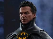 Hot Toys MMS 294 Batman Returns - Batman & Bruce Wayne