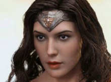 Hot Toys MMS 359 Batman VS Superman : DOJ - Wonder Woman