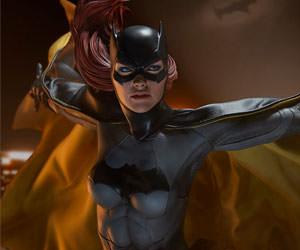 Batgirl DC Comics Premium Format(TM) Figure