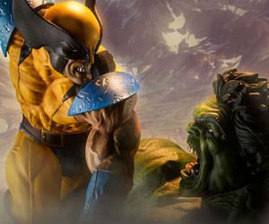 Hulk vs Wolverine Marvel Maquette