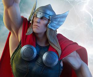 Thor Marvel Statue