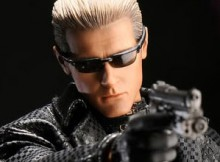 Hot Toys VGM 08 Biohazard 5 - Albert Wesker (Midnight Version)