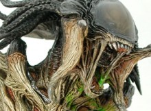 Hot Toys DMS 02 Aliens VS Predator : Requiem - Predalien VS Wolf Predator