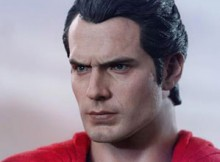 Hot Toys MMS 200 Man Of Steel - Superman