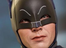 Hot Toys MMS 218 Batman 1966