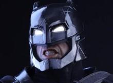 Hot Toys MMS 356 Batman VS Superman : DOJ - Armored Batman (Black Chrome)