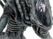 Hot Toys MMS 38 Aliens – Alien Warrior