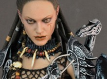 Hot Toys MMS 74 AVP She Predator - Machiko