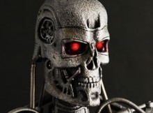 Hot Toys MMS 94 Terminator : Salvation - Endoskeleton T-700