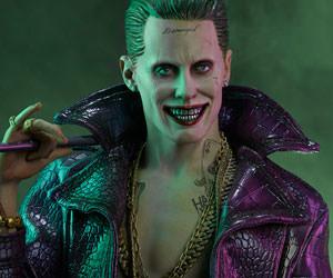 The Joker DC Comics Premium Format(TM) Figure