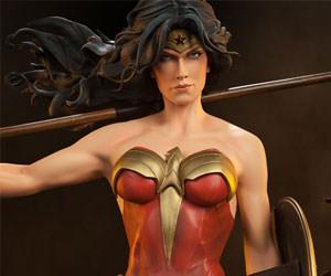 Wonder Woman DC Comics Premium Format(TM) Figure